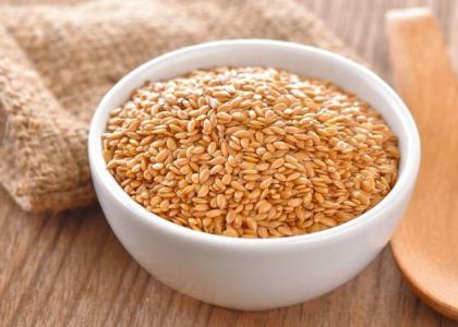 semi di lino; linusan combi; omega 3; omega 6; acidi grassi; fitoestrogeni; mucillagini;
